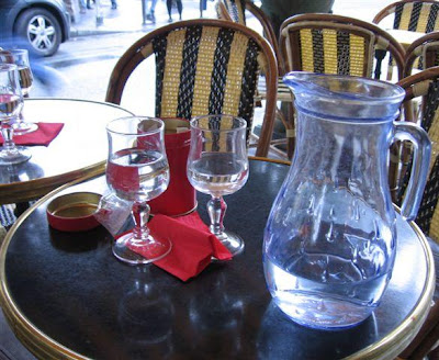 Carafe d'eau at Cafe Mondrian