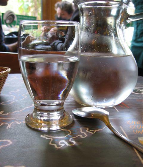 Carafe d'eau at Leon's