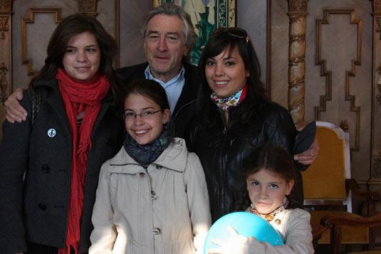 Hungarian Ambiance: Robert de Niro in the Hungarian Parliament