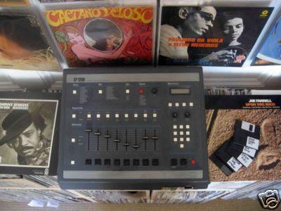 d r u m a c h i n e b o y emu sp1200 sampling drum machine for sale. Black Bedroom Furniture Sets. Home Design Ideas
