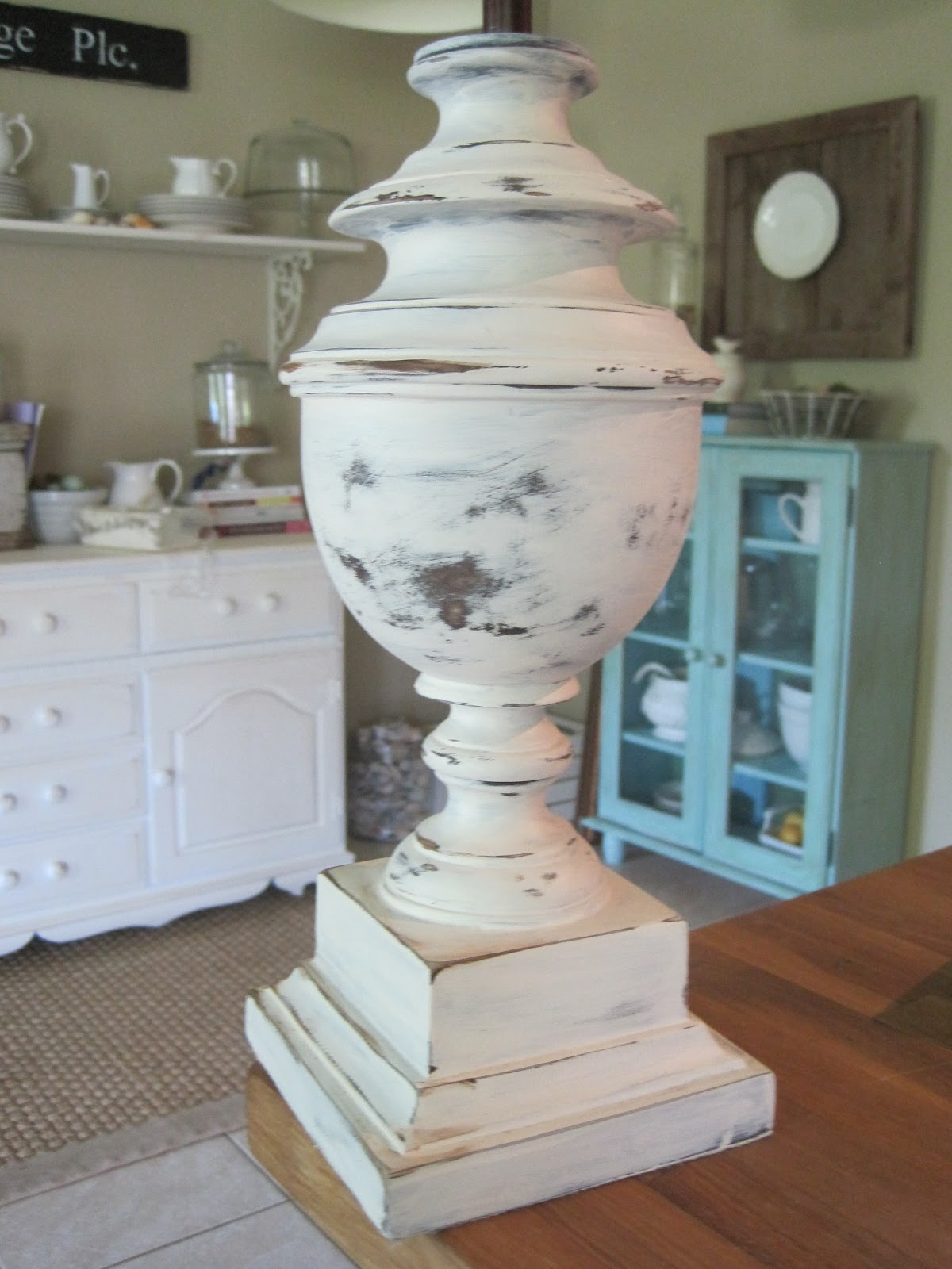 7294 Cottage Way Quot Limitation Lamp Quot White And Distressed
