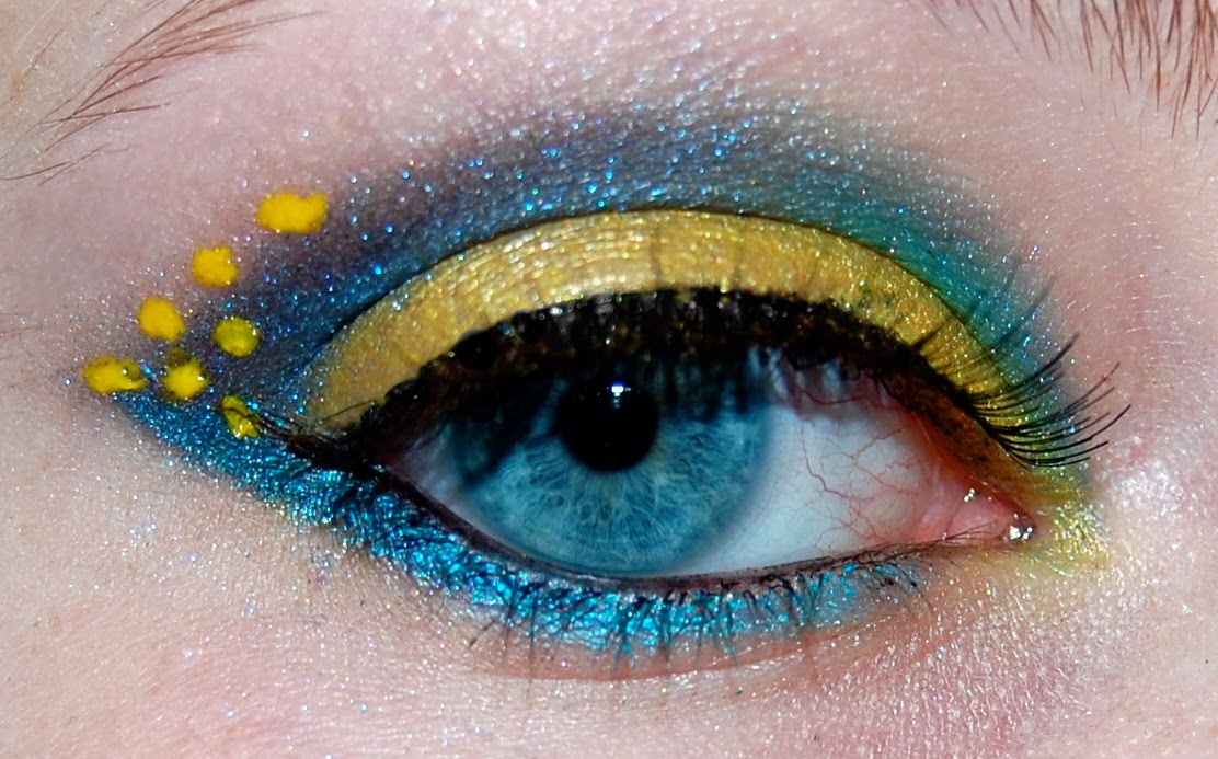 The Makeuptress Blue And Yellow Tropical Fish