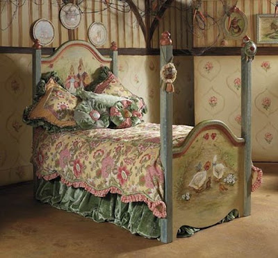 Carrot Collection Four Poster Bed And Bedding