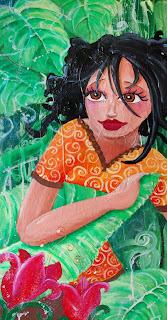 princesse perdue dans la forêt avec les cheuveux noir et de grands yeux marrons au milieu des feuilles vertes avec des grosses fleurs roses