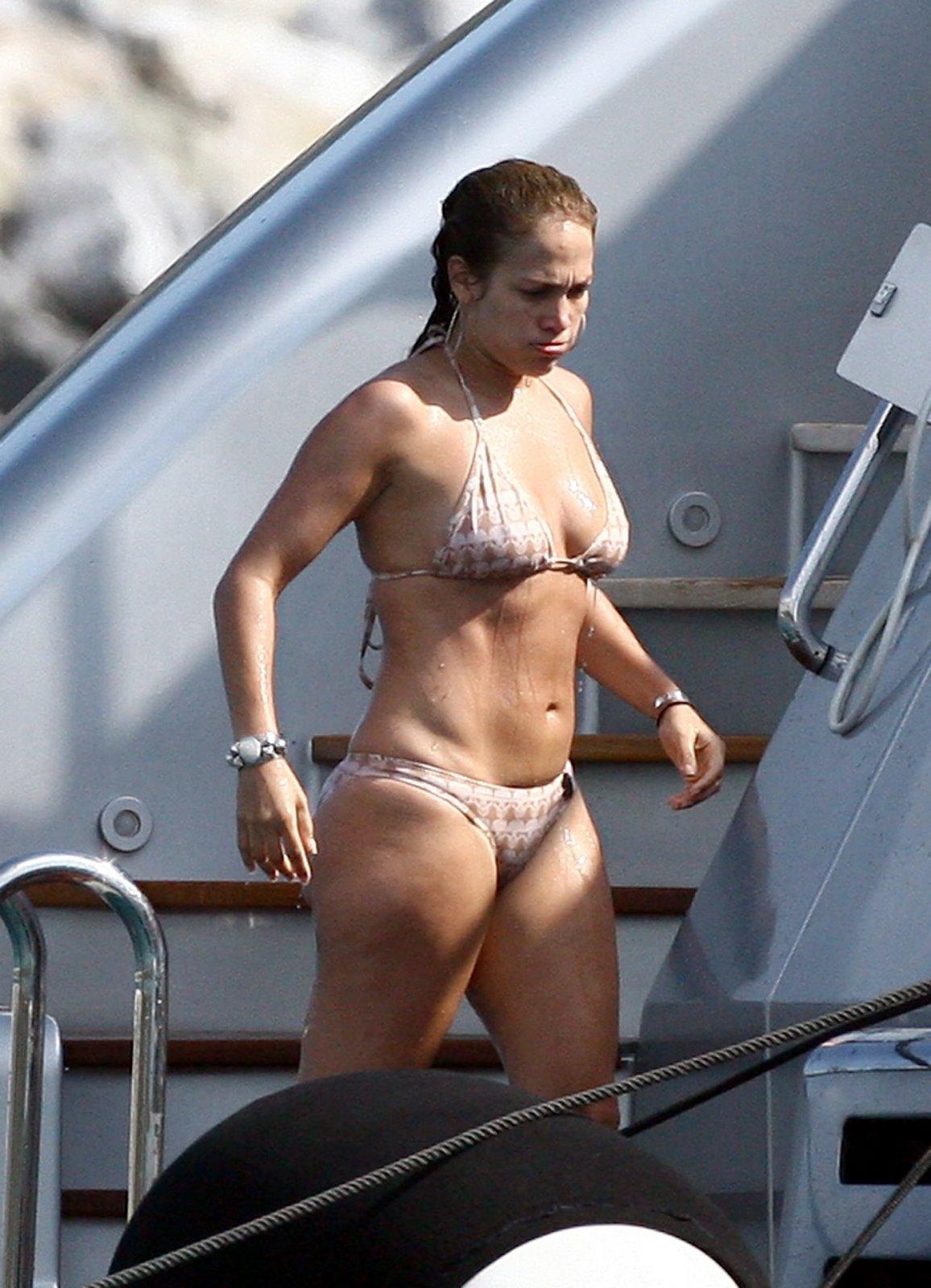 Jennifer Esposito Bikini 42