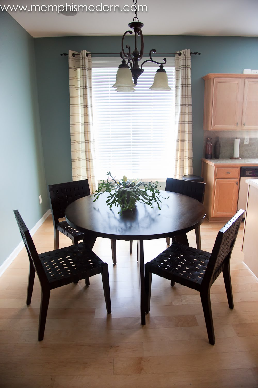 simple dining room ideas 2017 - Grasscloth Wallpaper on Basic Room Ideas  id=26563