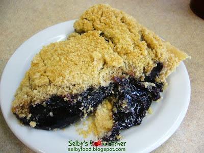 Black Raspberry Crumb Cake