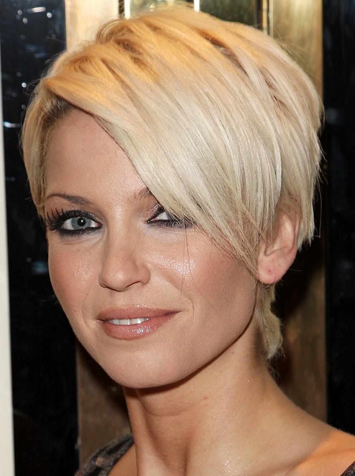 Sarah Harding Short Sleek Short Hair Platinum Blonde