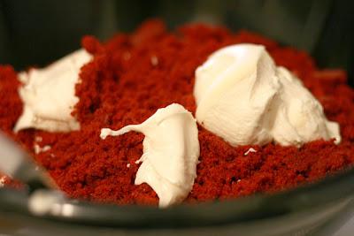 Red Velvet Cake Balls Bakerellacom
