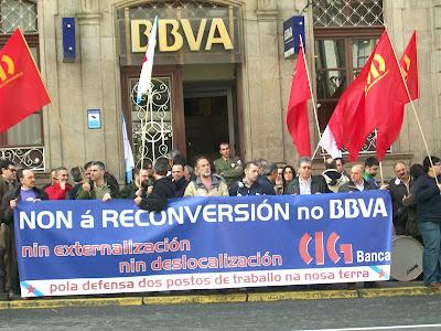 mobilización na OP do BBVA en Compostela
