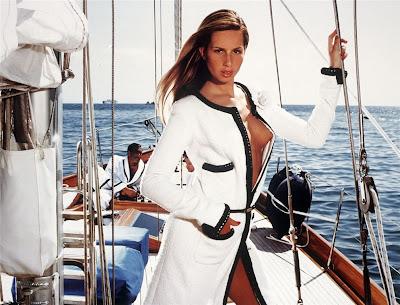 Top Hot Models Gisele Bundchen In The Pirelli Calendar 2001