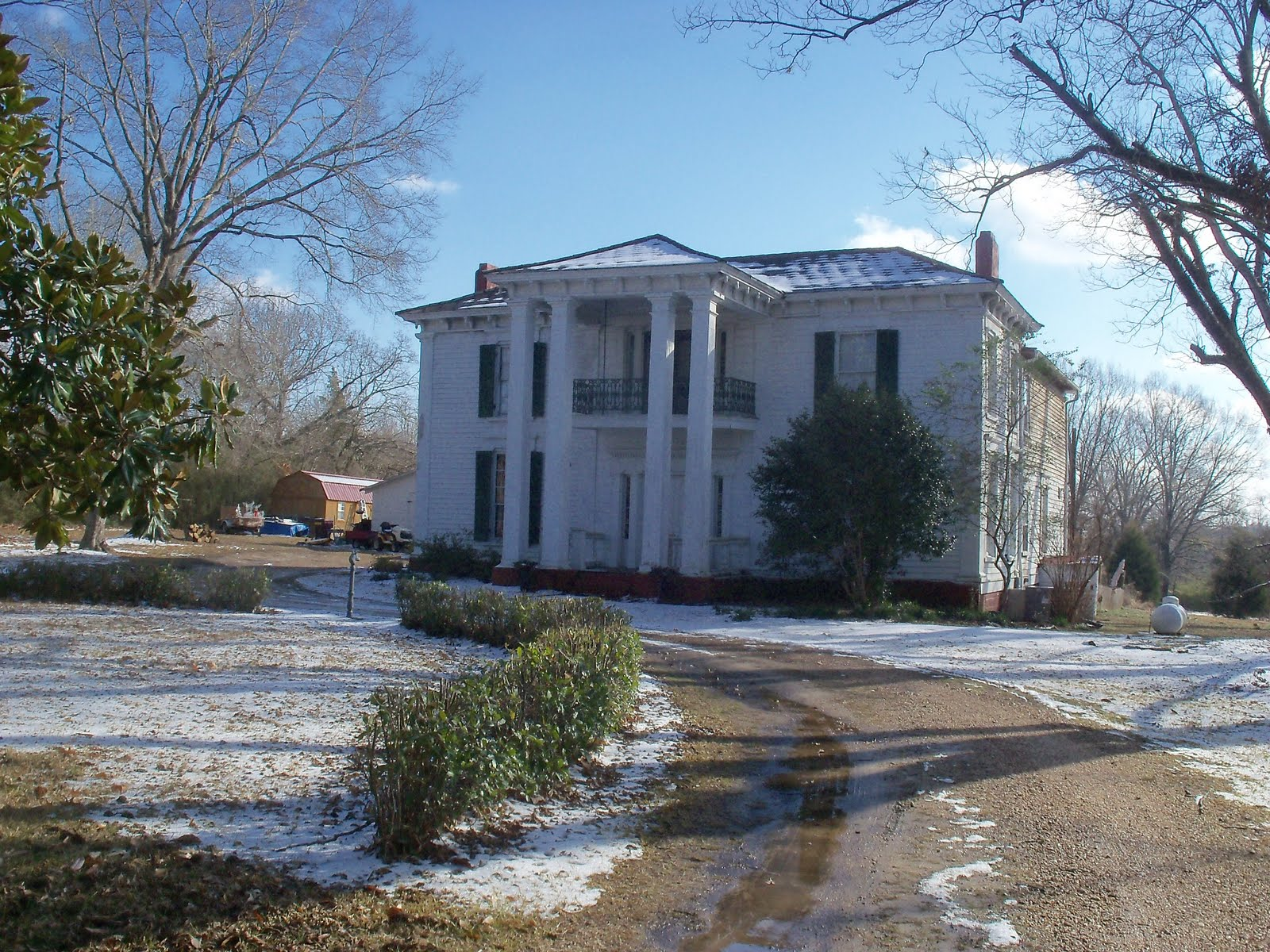 Deer camp blog historic homes of vaiden ms for Home builders in south ms
