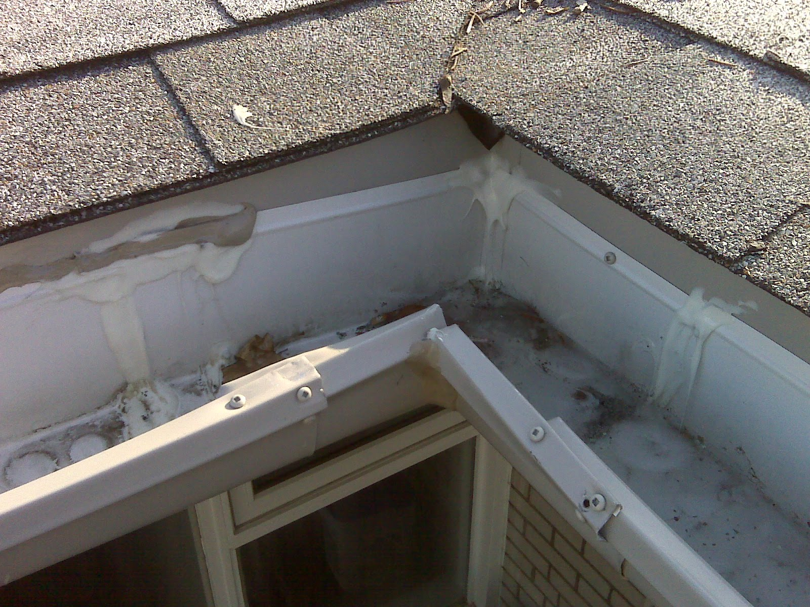 Very Badly Created Eavestrough Inside Corner