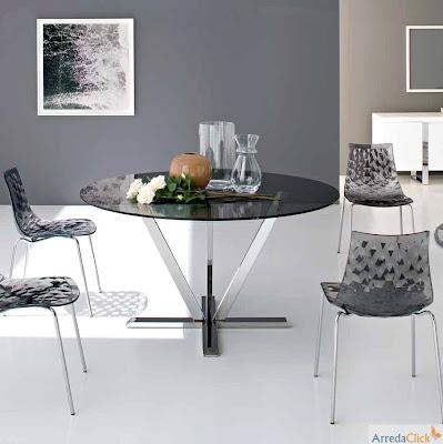 arredaclick italienisches designm bel blog tische aus glas und metall die pers nlichkeit. Black Bedroom Furniture Sets. Home Design Ideas
