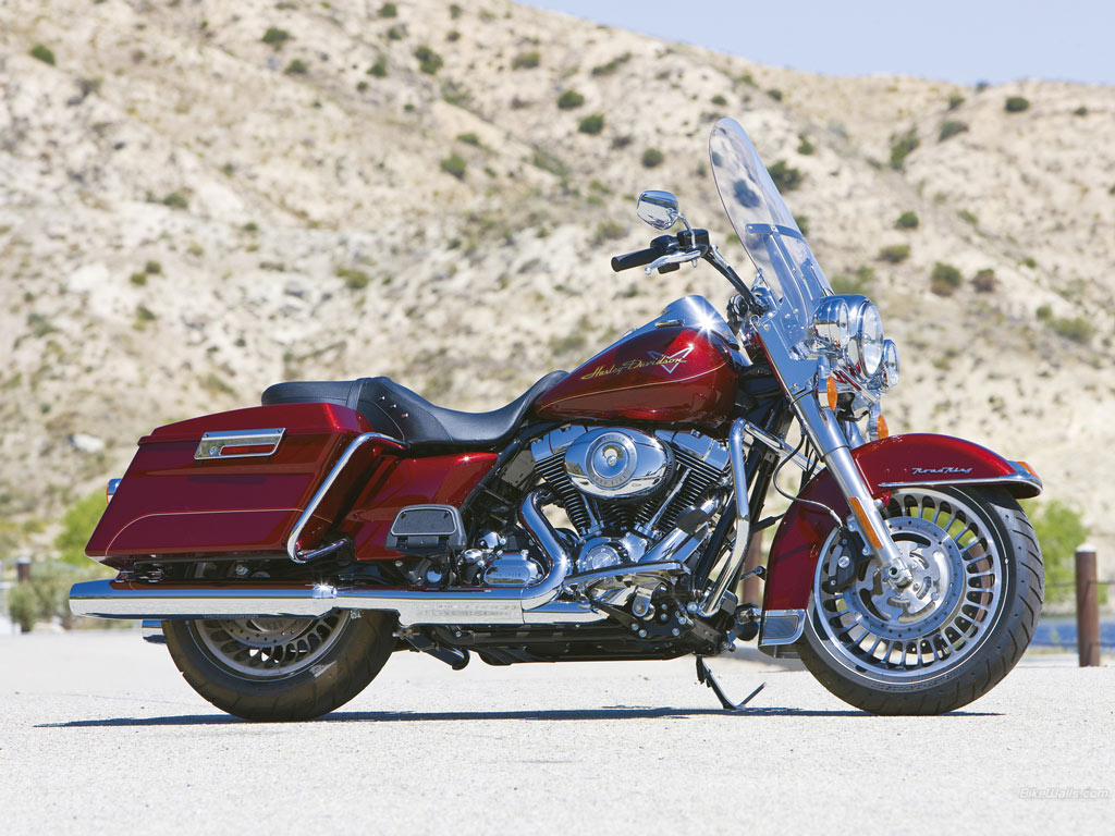 Harley Davidson Road King Wallpaper