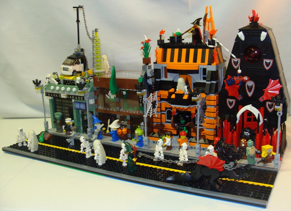Electronic Cerebrectomy Halloween Lego Street View