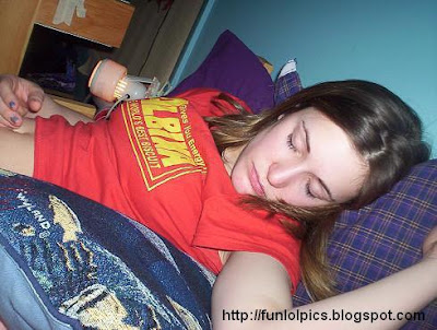 naked amateur passed out girl