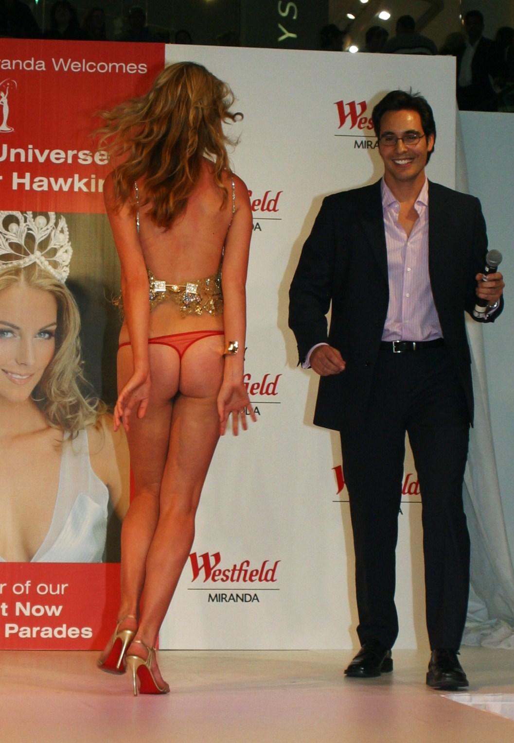 Miss Universo Pierde La Falda - Nalgas MissUNIVERSE2%20085
