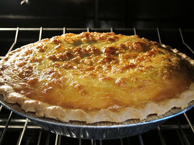 Serve your family this elegant ham and cheese quiche. It is so easy to make that you won't believe it, and your family will love it. #womenLivingWell #easyrecipe #quiche
