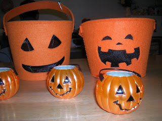 mini plastic pumpkin activities