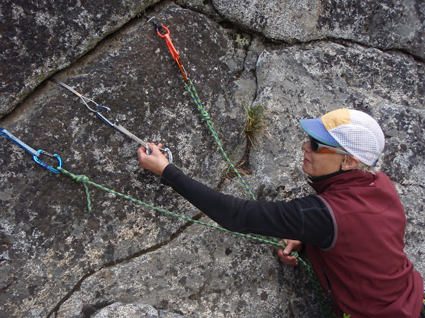 Learning Lead Climbing Skills And Rock Rescue In Leavenworth - Mountain Madness