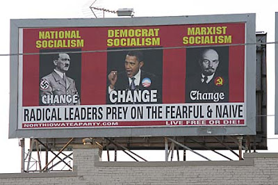 Cartel de la TEA PARTY, comparando a OBAMA con HITLER y LENIN