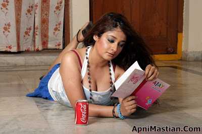 Kiran Rathod very Hot stills