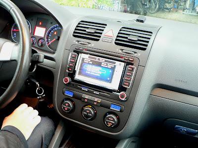 hightechcar auto radio multim dia em vw golf v. Black Bedroom Furniture Sets. Home Design Ideas
