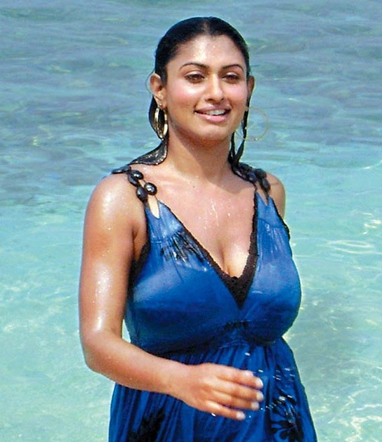 Unseen Tamil Actress Images Pics Hot: Malavika Hot Huge