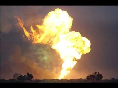 Hackers atacam companhias petrolíferas  GUERRA+IRAQUE+PETROLEO