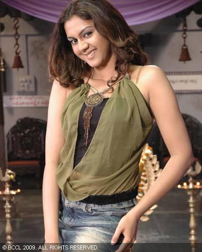 Celebrities Magazine: Kamna Jethmalani in Kathi Kantha Rao