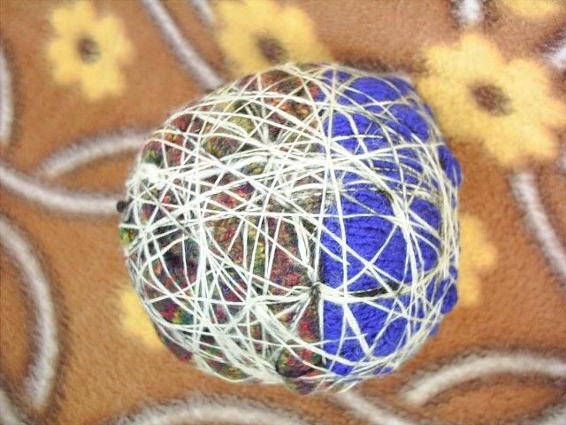 haubi spinnes wollwerkstatt anleitung zum filzen eines gr eren spielballs. Black Bedroom Furniture Sets. Home Design Ideas