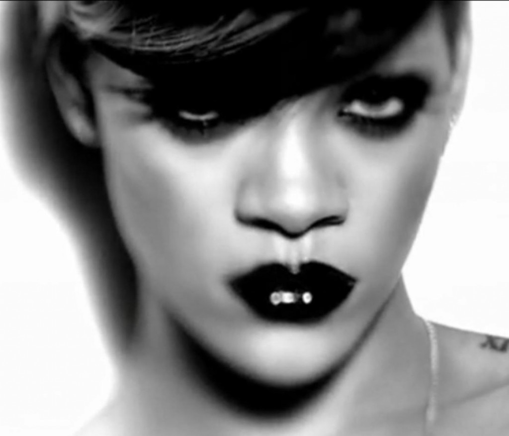 Indian Vanity Case: Rihanna in Rockstar Inspired Look