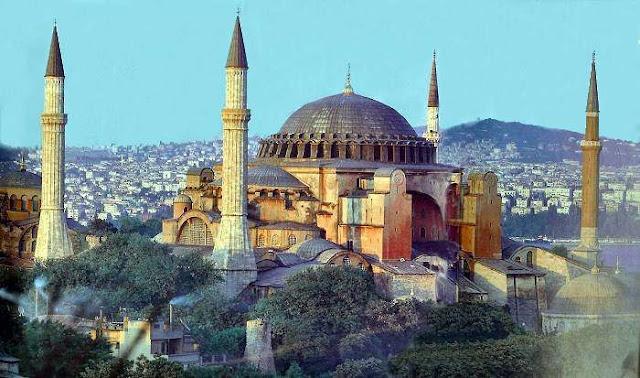 http://3.bp.blogspot.com/_K1mRpyFgl78/TIXNSMRDrxI/AAAAAAAAAKk/ekUFEAwBI3s/s400/Istanbul-Hagia-Sophia.jpg