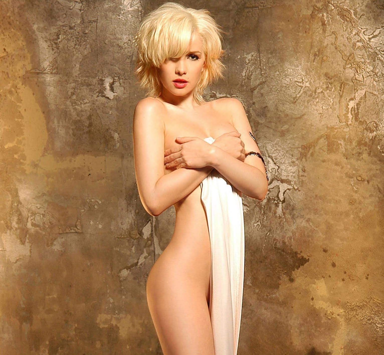 Stefanie Scott nude fake porn
