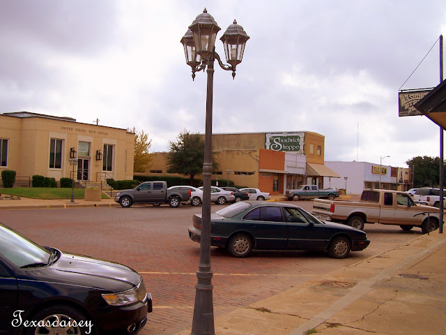 businesses in downtown Seymour, Texas near U.S. Post Office