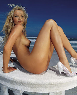 Adrana Skleranikova - click to get high resolution picture