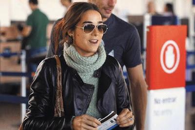 http://3.bp.blogspot.com/_K5gxyFckrPQ/SmDkeJKoN7I/AAAAAAAAFt0/AHUN9Rt6aXU/s400/El+look+de+Juana+Viale.jpg