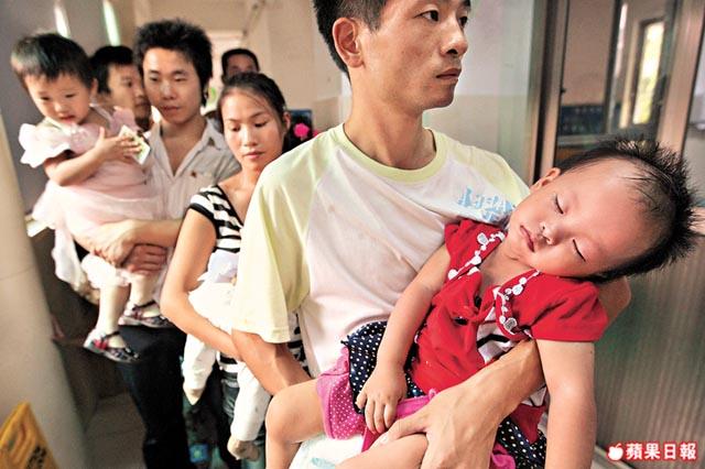 陳大文 部落: 搵快錢是硬道理‧逾百頓毒奶粉再肆虐‧中國嬰兒在等死