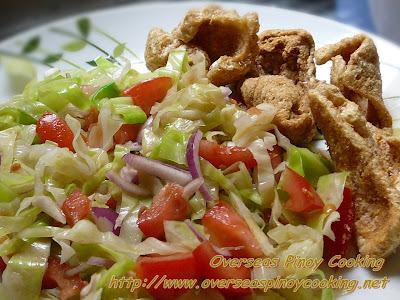 Ensaladang Repolyo with Chicharon