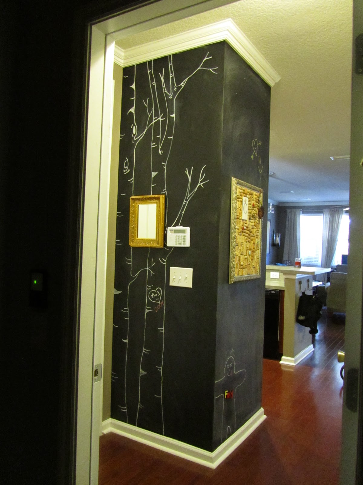 insanely crafty chalkboard paint hours of fun. Black Bedroom Furniture Sets. Home Design Ideas
