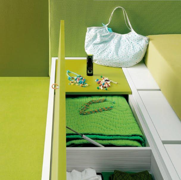 Dormitorio minimalista verde manzana y blanco via www for Dormitorios minimalistas pequenos