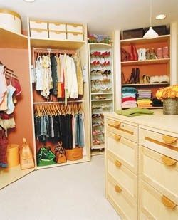 Walk in closet compartido seg n el sexo for Closet modernos para dormitorios matrimoniales