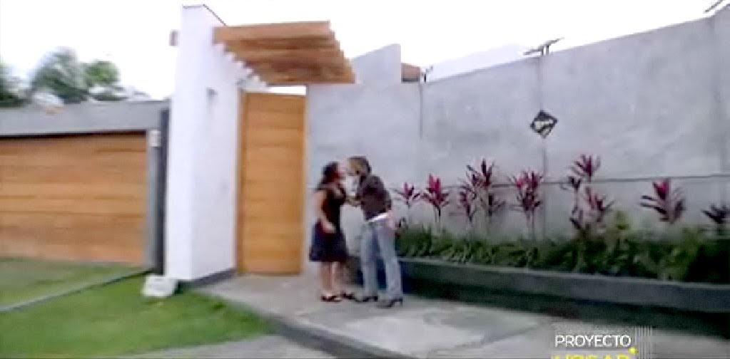Casa bonita en villa fachadas de casas y casas por dentro for Fachadas de casas modernas en lima