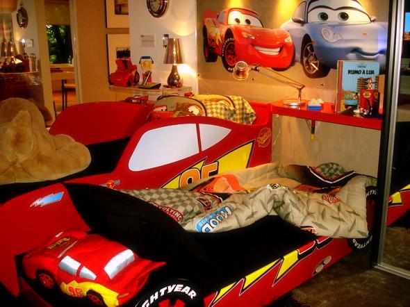 Dormitorio rayo mcqueen cars - Dormitorios de cars ...