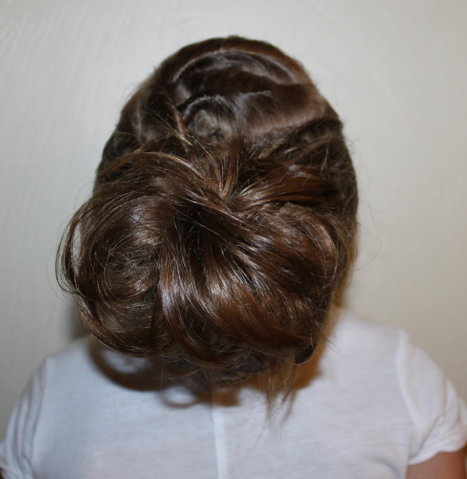 The Messy Bun Step by Step Instructions   Long Hair Styles