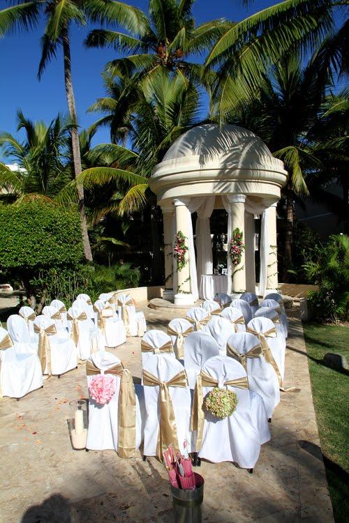 Jessica Mattew Dreams Palm Beach Punta Cana Hotel December 3th 2010
