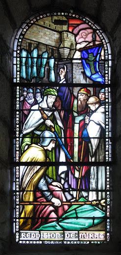 Conversão e rendição miraculosa do emir de Lourdes, vitral na capela do castelo