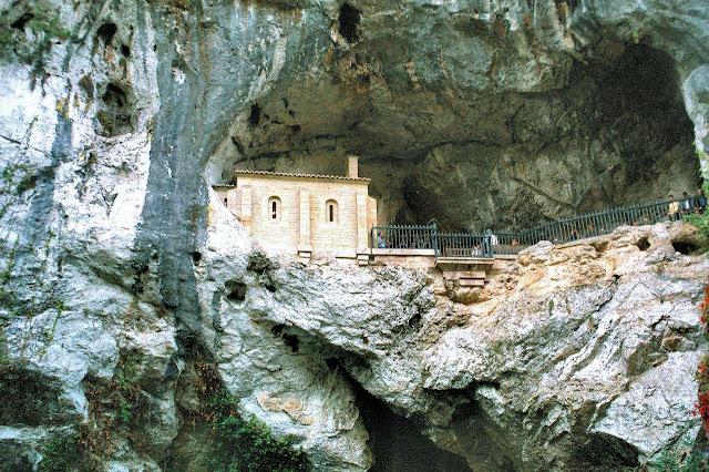 Gruta de batalha de Covadonga