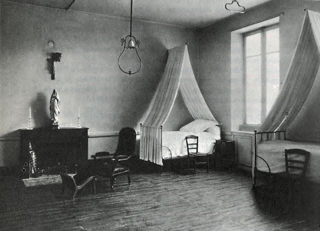 Nevers, enfermaria da Santa Cruz, onde morreu Santa Bernadette